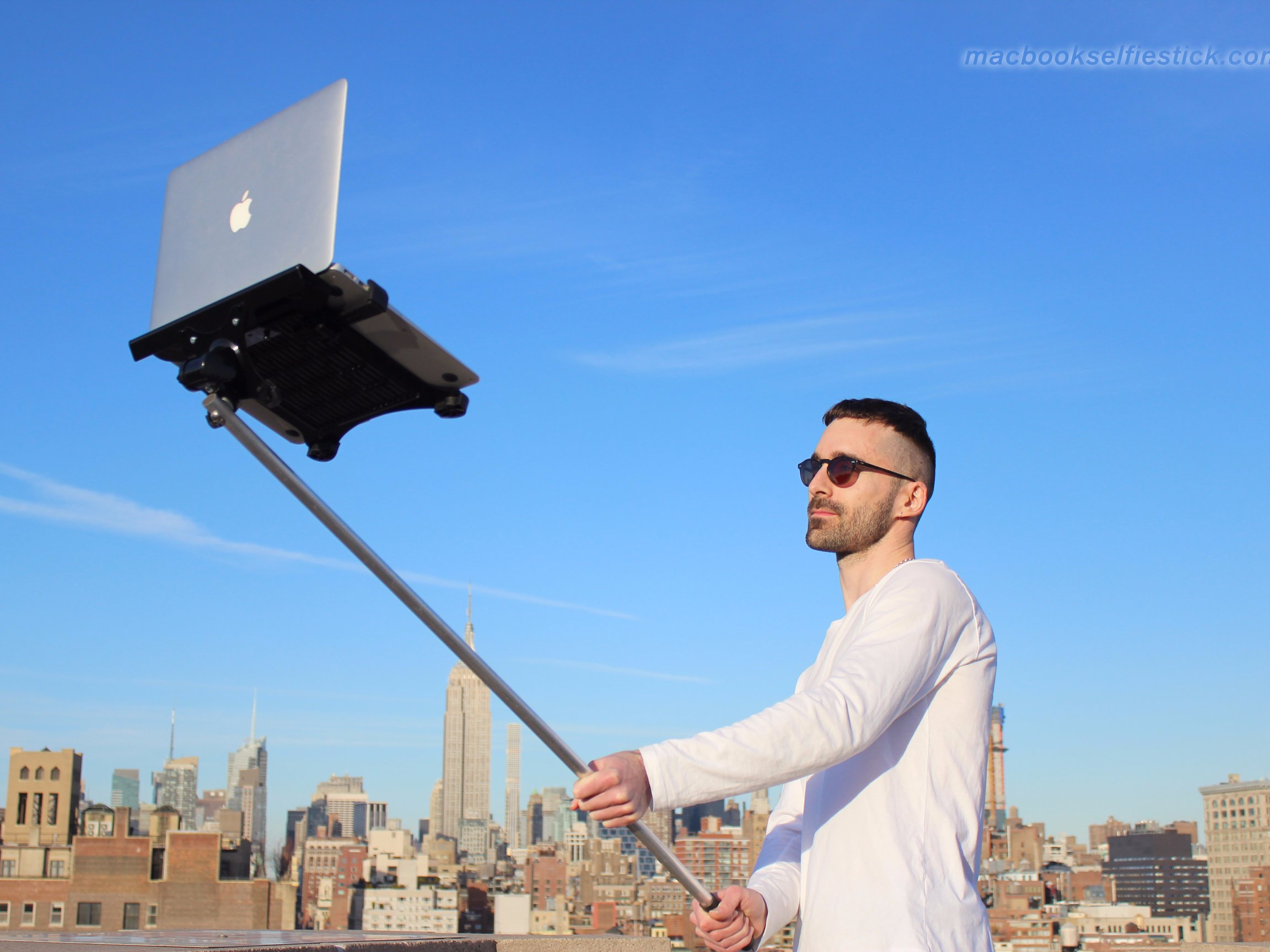 Macbook Selfie Stick Is the Tech Trend