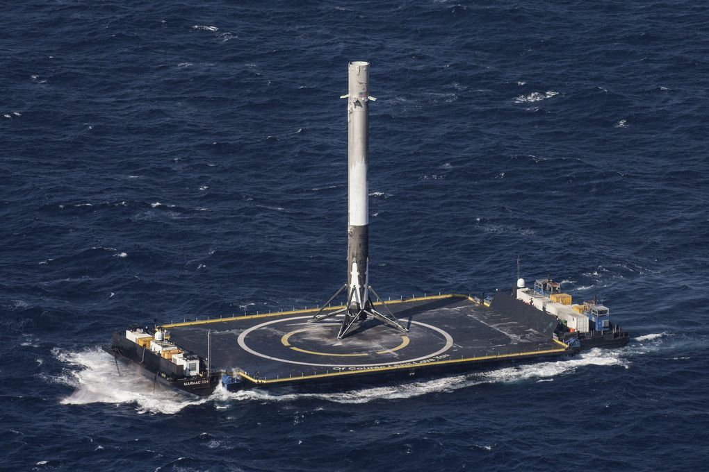 Space X Rocket Landed in Sea Successfully