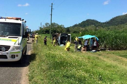 Beach bus crash:Teen dies,12peoples badly injured – Australia latest news