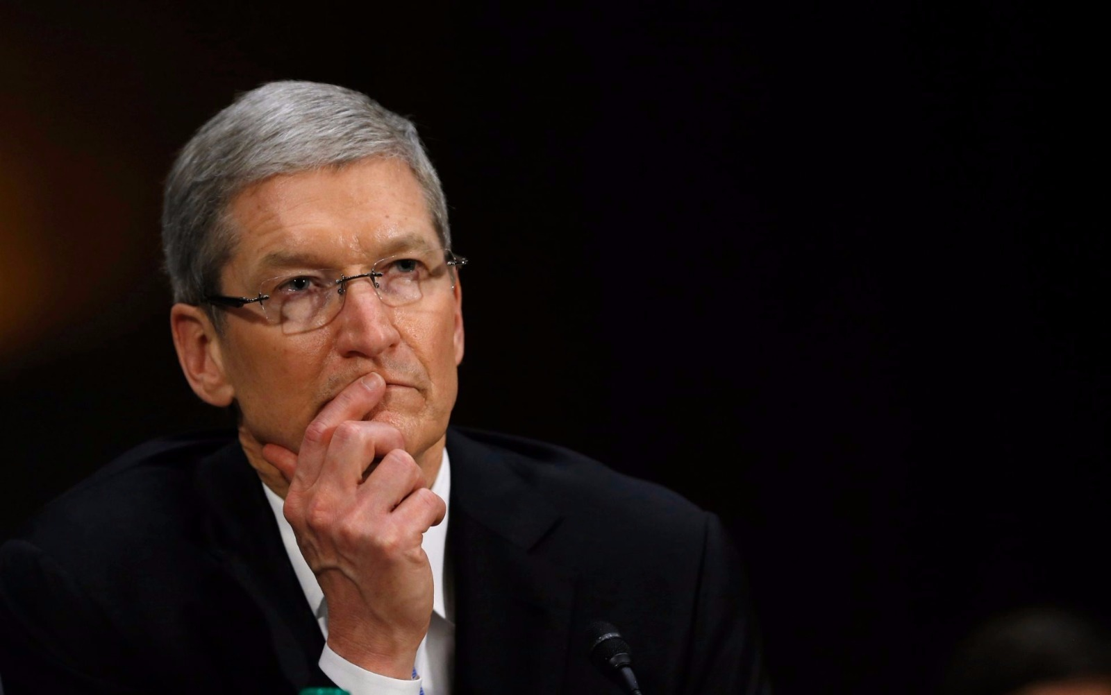 Apple decreasing its sale in India, Why?