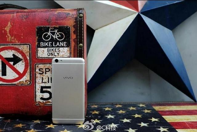 Vivo X7 Full specification, Price, Release Date : 16 MP Selfie Camera