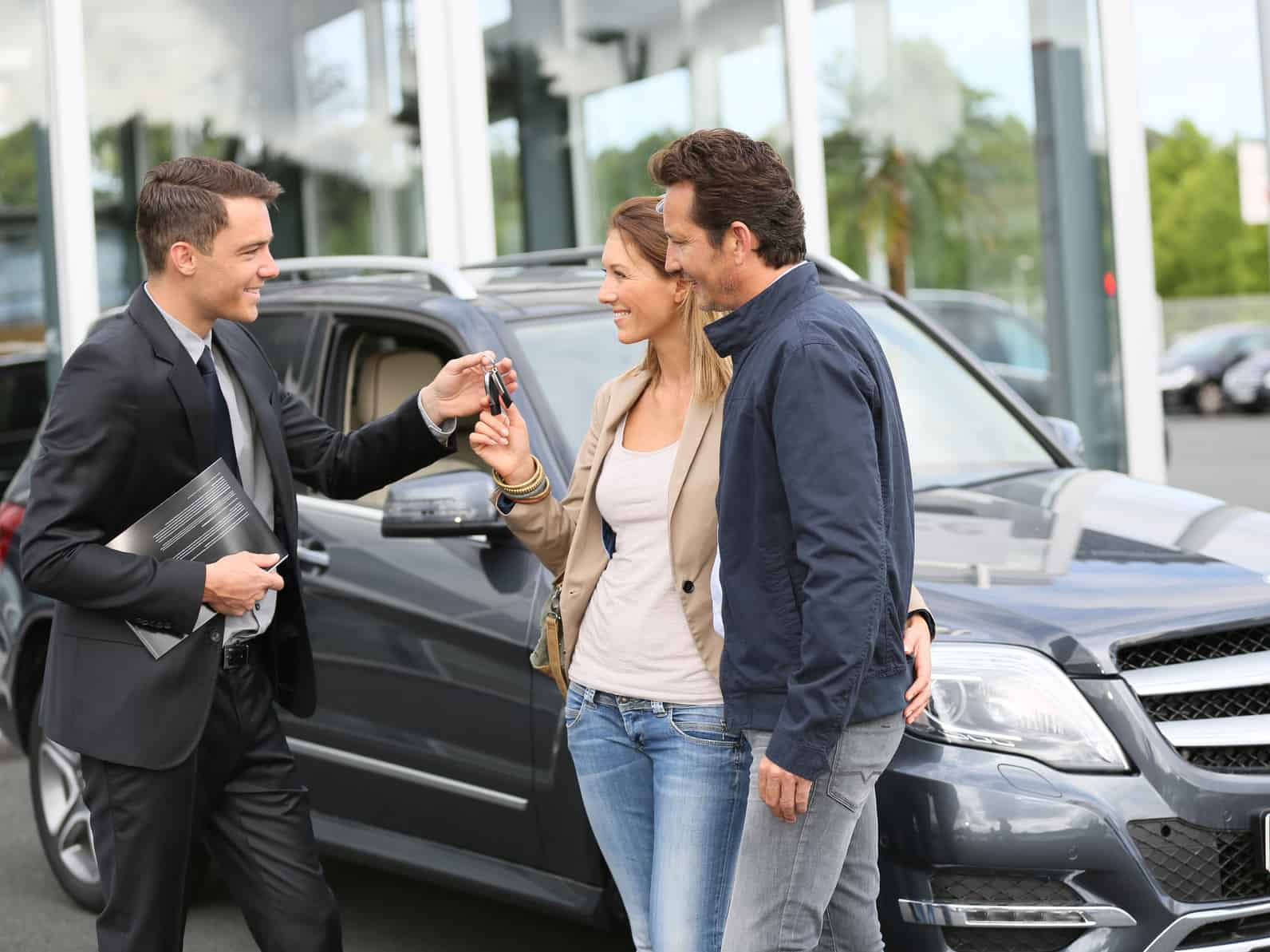 Improve Used Car Sales This Fall By Offering 24/7 Online Chat