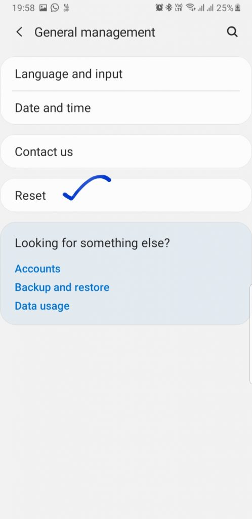 How to Soft reset Samsung S10 plus step 3