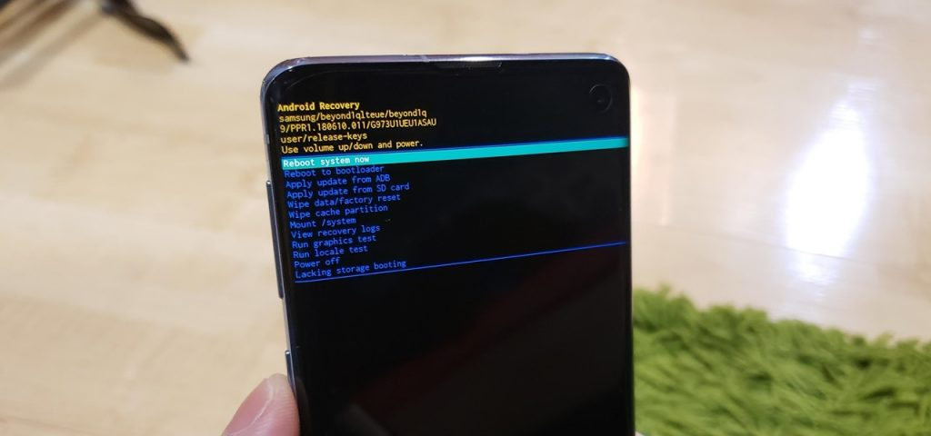 How to Hard reset samsung S10+ STEP 3