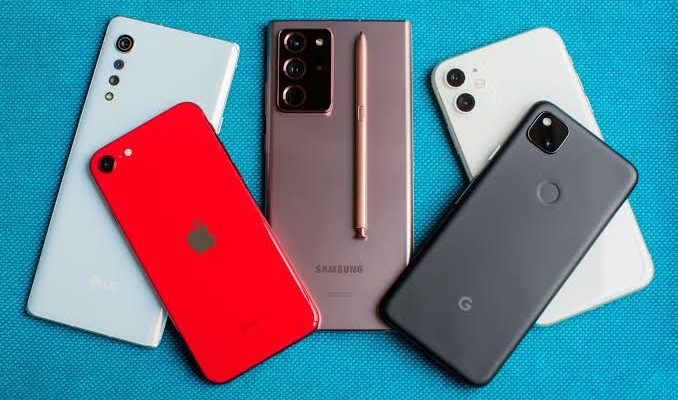 Choosing a Smartphone for a Tween | Choose the Best One